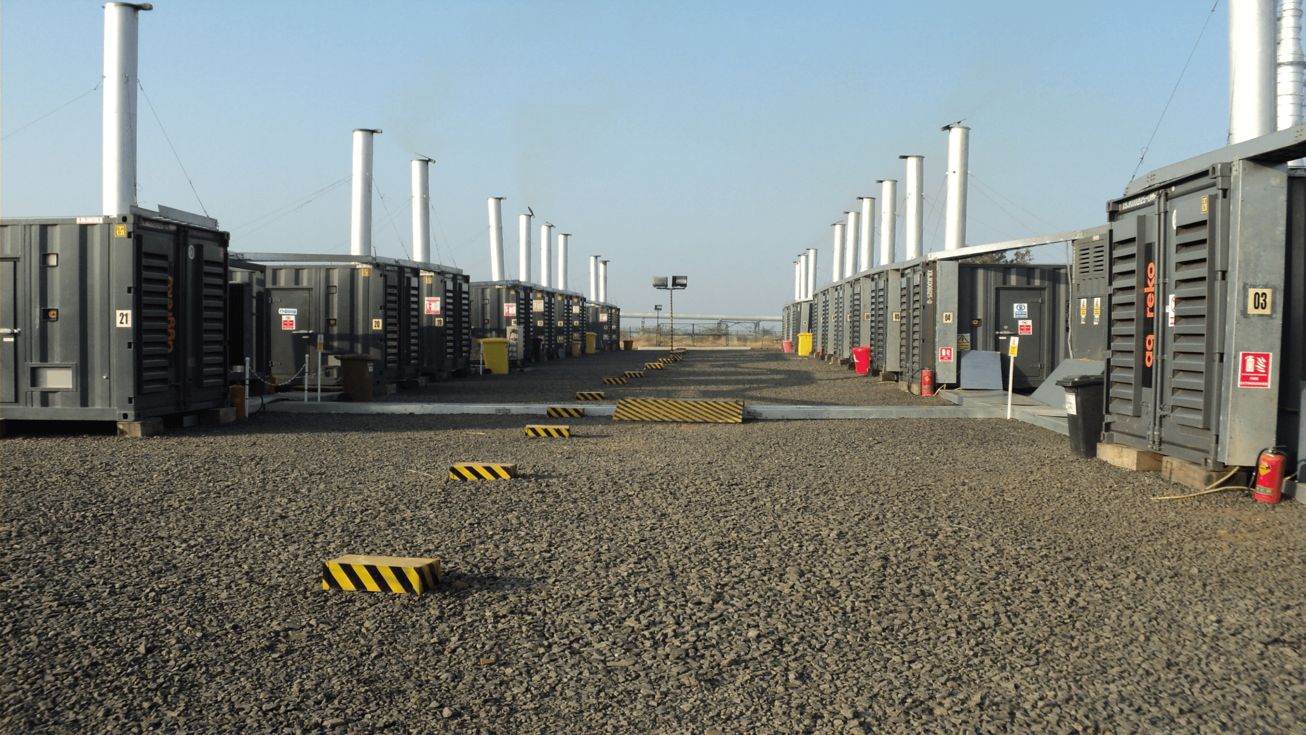 Quick power for refinery commissioning