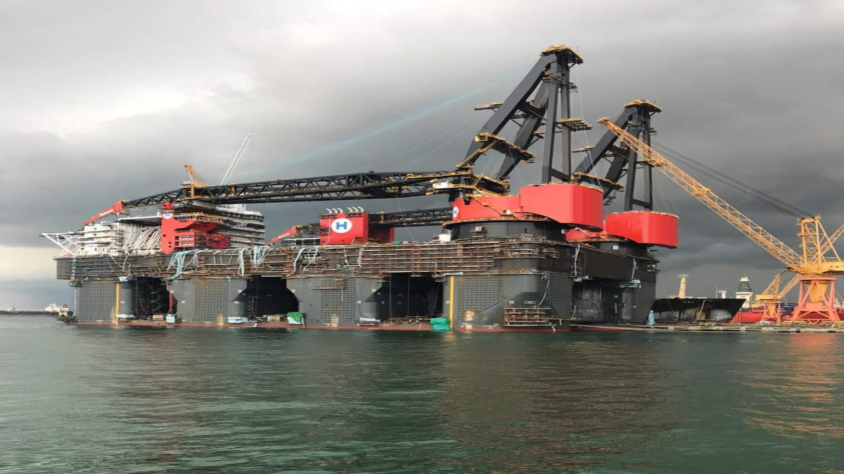 Load testing the world's largest crane vessel